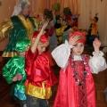 Зимний праздник «Развеселые колядки» для детей подготовительных групп.