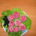 Закуска из лаваша «Алые розы»