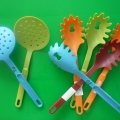 Нетрадиционный дидактический материал для игр с водой и песком для детей раннего возраста.