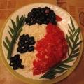 Украшение новогоднего стола— салат «Снегирь»