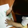 Обучение малышей рисованию с помощью метода «угольная копия»