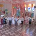 Сценарий праздника для мам в первой младшей группе