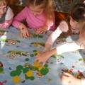 Дидактическая игра по математике «Группы, части, свойства» (для детей 5–6 лет)