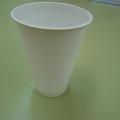Серпантин из пластиковых стаканчиков.