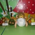 Наши первые поделки из «даров осени». Детки выполняли вместе с родителями. Конкурс «Фантазеры».