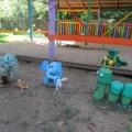 Озорная гусеничка для оформления участка детского сада