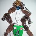 «Змейка на ёлочке»— панно изготовленное, с детьми старшего дошкольного возраста