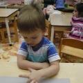 Конспект занятия с геометрической мозаикой во второй младшей группе. Тема «Елки»
