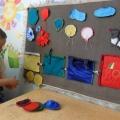 Сенсорное воспитание детей младшего возраста. Игра— основной вид деятельности. Дидактическая игра «Зацепи вагончики»