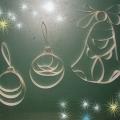 Часы, колокольчик и новогодние шары в замке Снежной королевы (на тему квилинга)