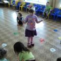 Дидактическая игра «Бабочки и цветы»