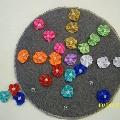 Развивающая игра на закрепление цветов и развитие мелкой моторики «Цветочная полянка»