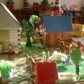 «Деревенский домик» из бросового материала