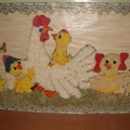 Настенное панно «Курочка с цыплятками»