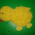 Желтенький цыпленок. Аппликация из кусочков салфеток.