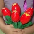 «Тюльпаны». Поделка из пластиковых ложек. Подготовительная группа (6–7 лет)