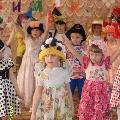«Шляпный бал»— праздник для мам в средней группе.