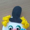 «Маски клоунов»— аппликация на камнях-голышах