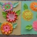 Цветы в технике 3 D из двухсторонней цветной бумаги