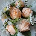 «Вот букет уже готов!» МК: цветы из бумажных салфеток