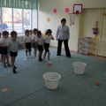 Непосредственно образовательная деятельность по физической культуре «Юные защитники» (средняя группа)
