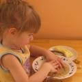 Про девочку Машу, которая не хотела есть ложкой…