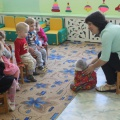 Конспект игры-занятия по развитию речи в первой группе раннего возраста «Кошка в гости к нам пришла»