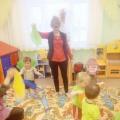 Игры с малышами. Игра с платочками