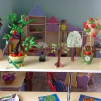 Фотоотчет о выставке поделок «Деревья и кустарники»