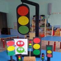 Фотоотчет о выставке поделок «Светофоры»