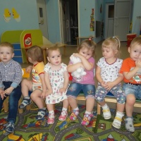 Фотоотчет «Малыши спешат на помощь»