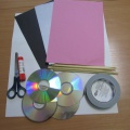 Мастер-класс «Куклы из CD дисков для театрализованной деятельности по мотивам сказок «Три поросенка» и «Три медведя»