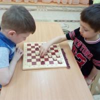 Фотоотчет «Игра в шашки»