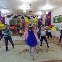 «Нам года-не беда»— сценарий праздника к Дню пожилого человека для подготовительной группы