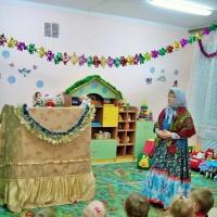 Развлечение для детей первой младшей группы «Бабушка-рассказушка в гостях у малышей»