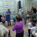 Музыкально-спортивное развлечение «Вместе с внуком, вместе с внучкой мы здоровая семья» (фотоотчет)
