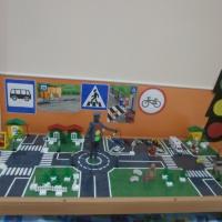 Фотоотчет об образовательной ситуации «Соблюдайте правила дорожного движения» (логопедическая группа)