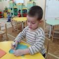 Мастер-класс по изготовлению открытки для папы к 23 февраля во 2 младшей группе. «Самолет летит».
