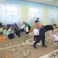 Спортивное развлечение «Веселые старты для детей и родителей» (средняя группа)