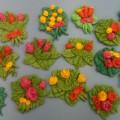 «Подарок мамочке готов— большой-большой букет цветов». Поделки из солёного теста к 8 Марта для любимых мам.