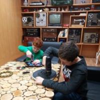 Фотоотчет «Изготовление часов из дисков» в рамках школьного проекта «Новая жизнь старых вещей»