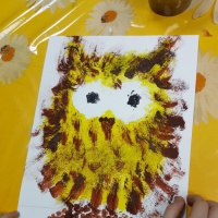 Рисование методом тычка, мазка полусухой кистью и ватной палочкой «Сова»