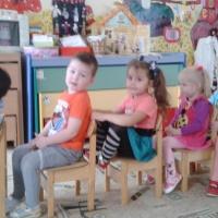 Фотоотчёт по сюжетно-ролевой игре «Автобус» во второй младшей группе