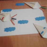 Мастер-класс по изготовлению игрушки из бумаги «Воздушный змей»