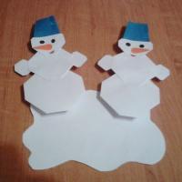 Мастер-класс по изготовлению игрушки из бумаги способом оригами «Снеговики»