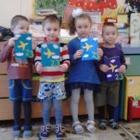 Фотоотчёт о создании поздравительной открытки детьми для пап к 23 февраля