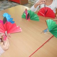 Мастер-класс изготовления павлина из бумаги.