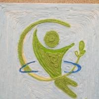Аппликация в технике ниткографии на конкурс «Герб и эмблема здоровья»