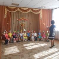 «В гостях у Витаминки»— развлечение для детей средней группы детского сада