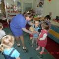 Сценарий развлечения «День рождения куклы Аленушки» для детей 2–3 лет
